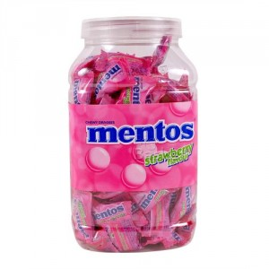 Mentos Strawberry Flavour Chewy Dragees
